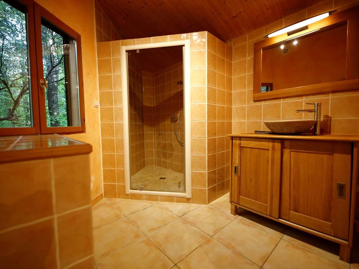 Le Mazet, salle de bains