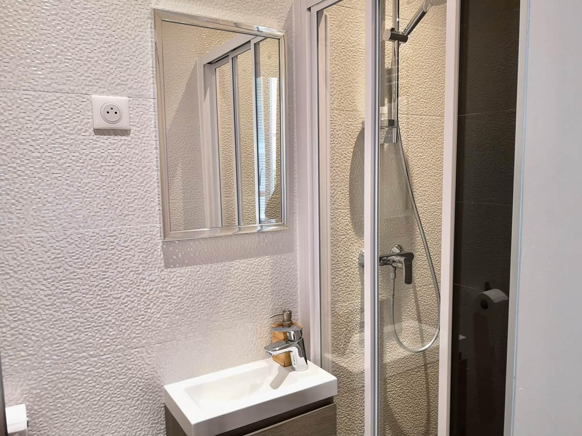 salle de bain studio Lido