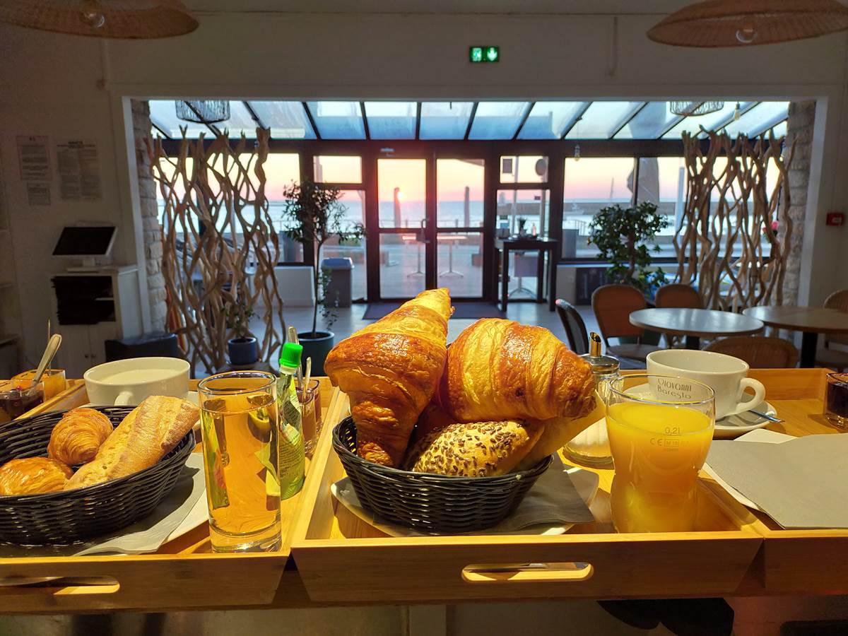 petit_dejeuner_en_chambre