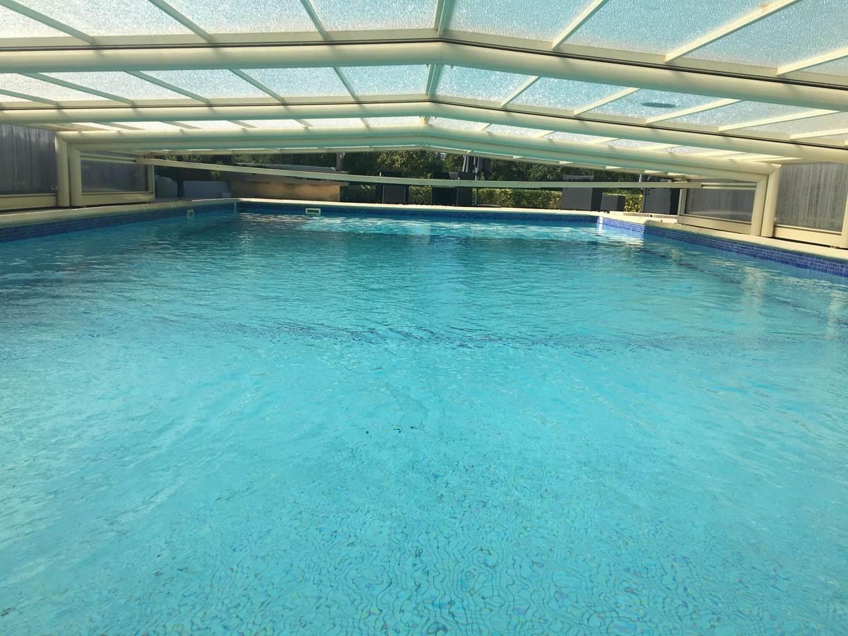 piscine couverte et chauffée d avril a octobre