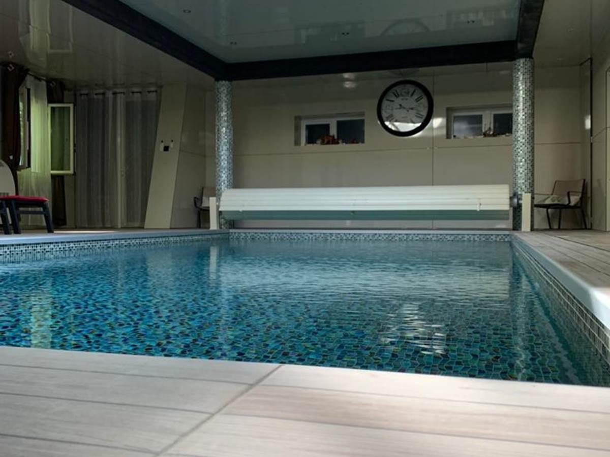 piscine interieure 2