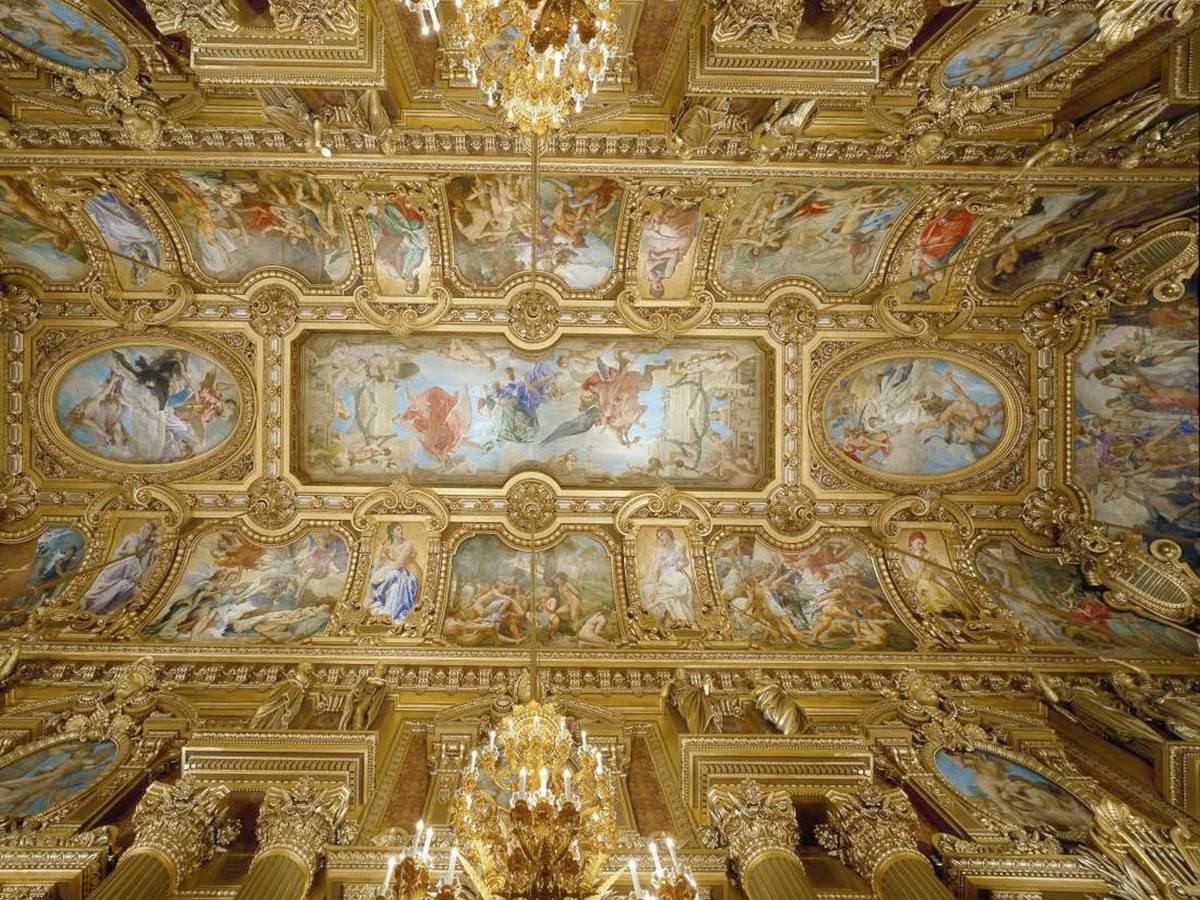 It took ten years after the inauguration to Paul Baudry to complete these astonishing ceiling paintings!