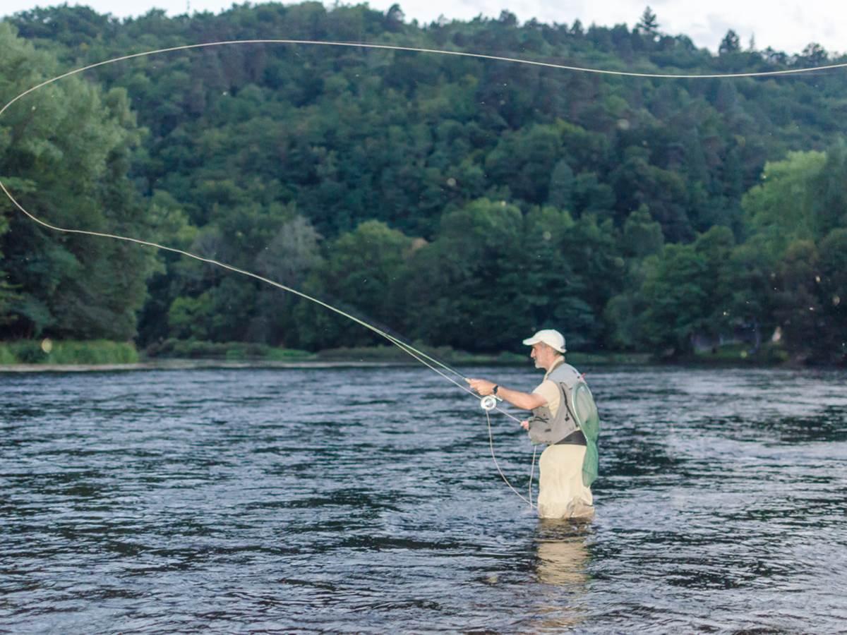 Le beau geste du pêcheur au lancer