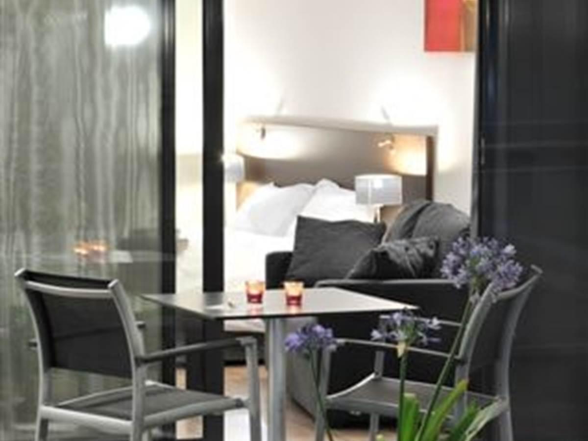 Hotel Eden Park Pau-Bizanos Terrasse chambre hotel