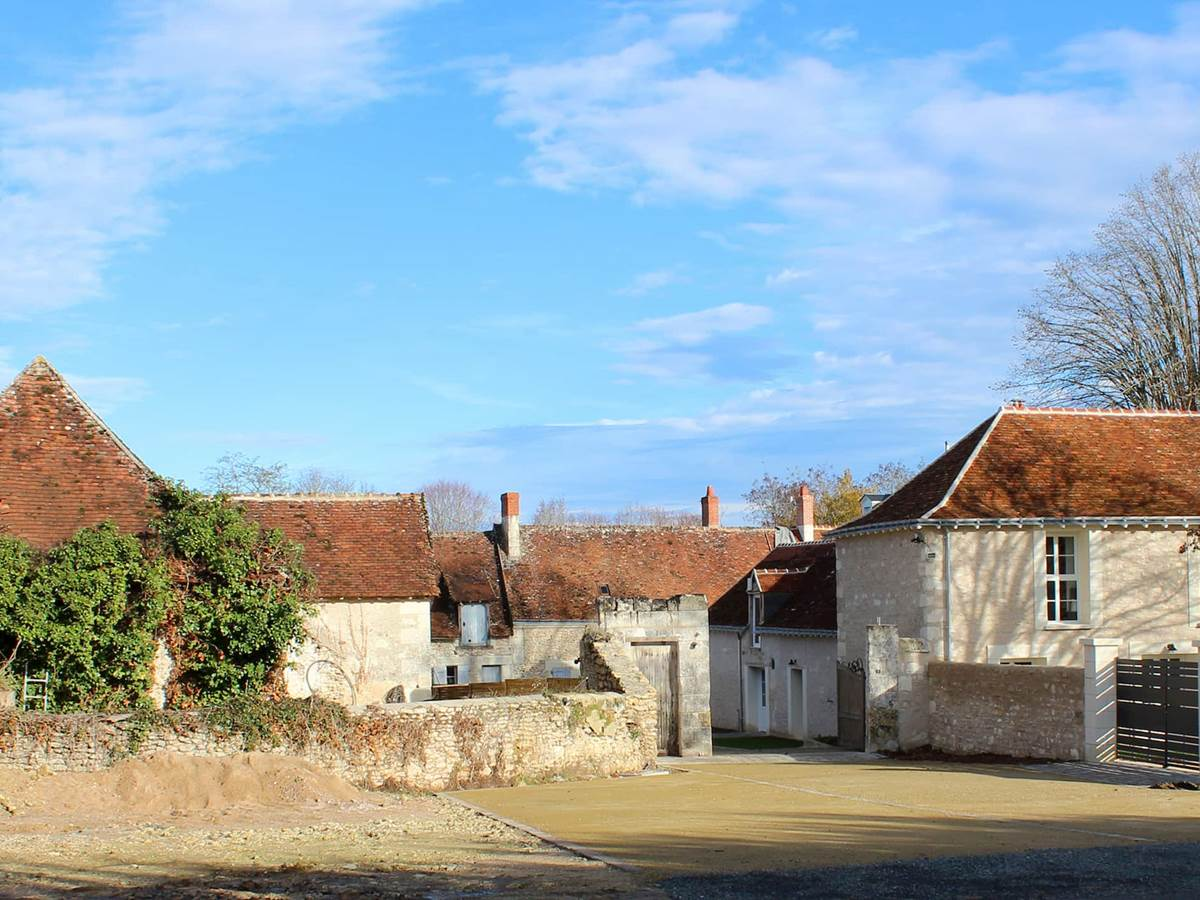 Domaine des cyclamens corps de ferme entree du Hameau
