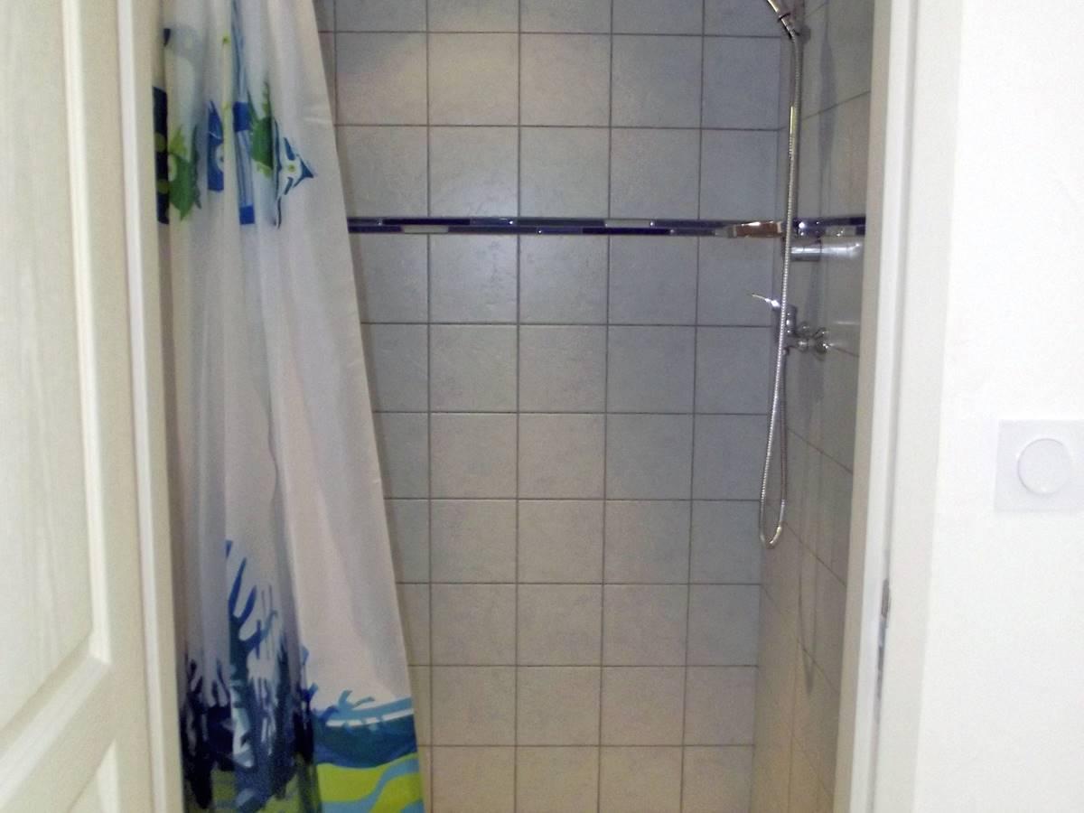 hebergement-chambre-mer-2 douche