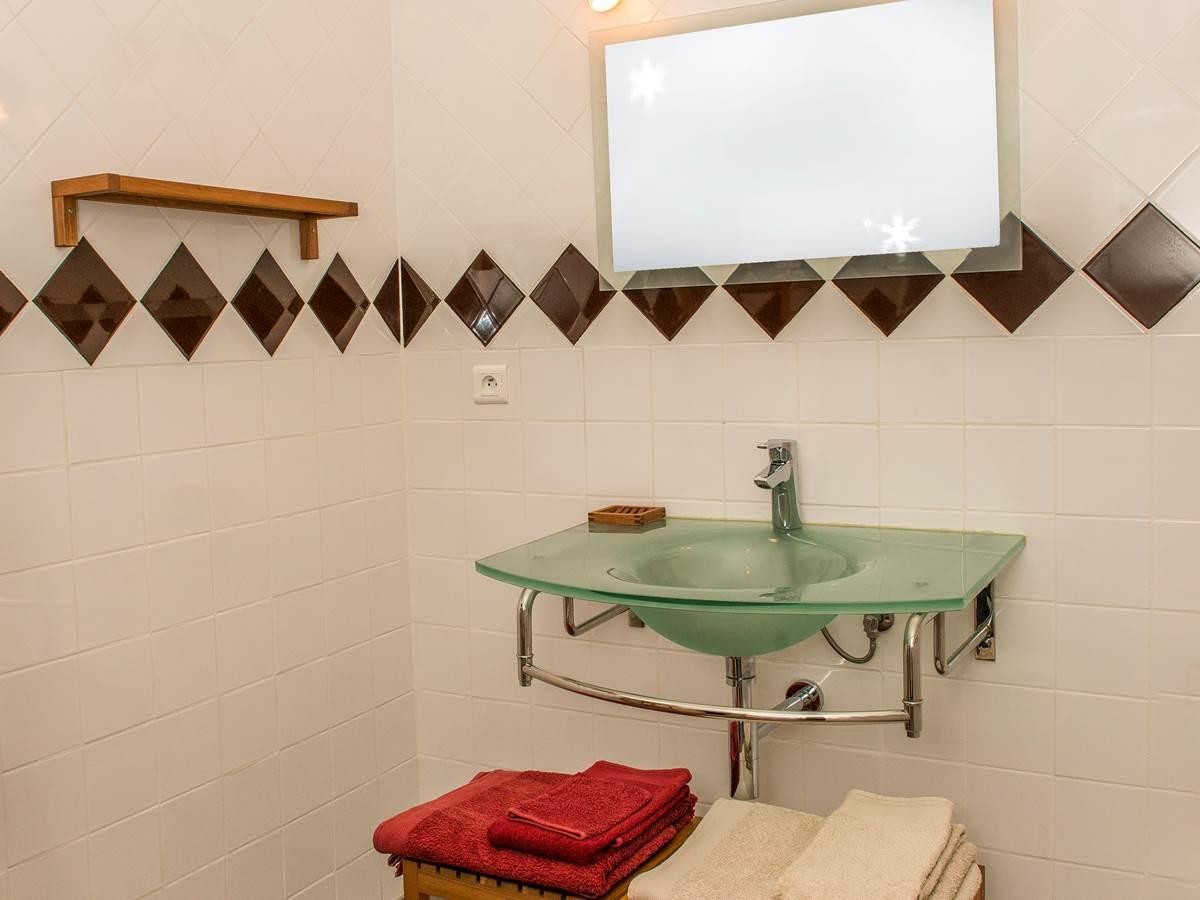 Salle d'eau Forc¸a Re´al Thuir vasque