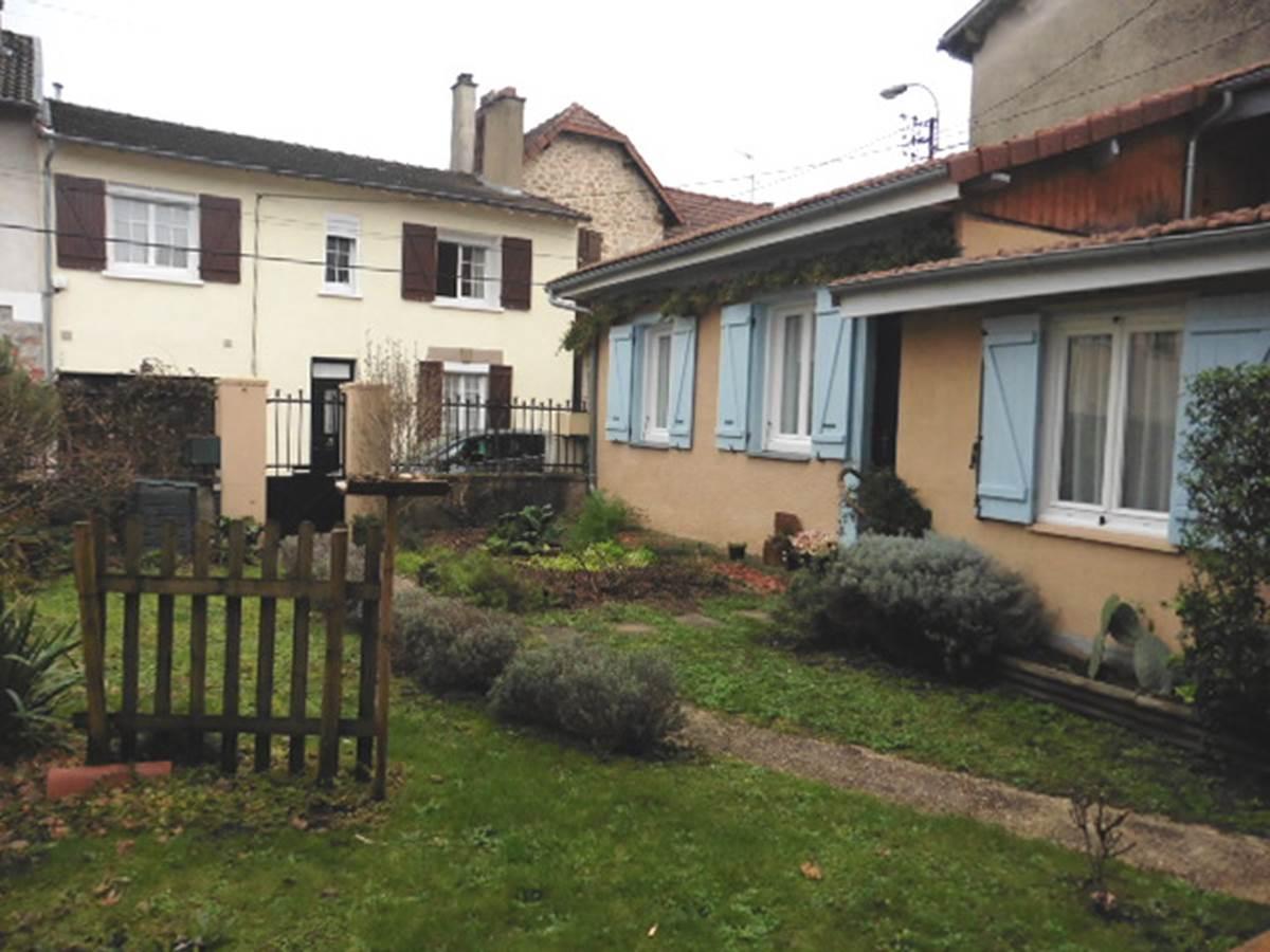 Maison et Chambre d'hôtes l'Ephémère à Limoges  Vue sur le jardin