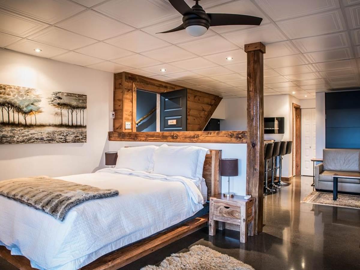 La suite avec vue époustouflante sur le Fjord, un grand lit double et un lit double escamotable.