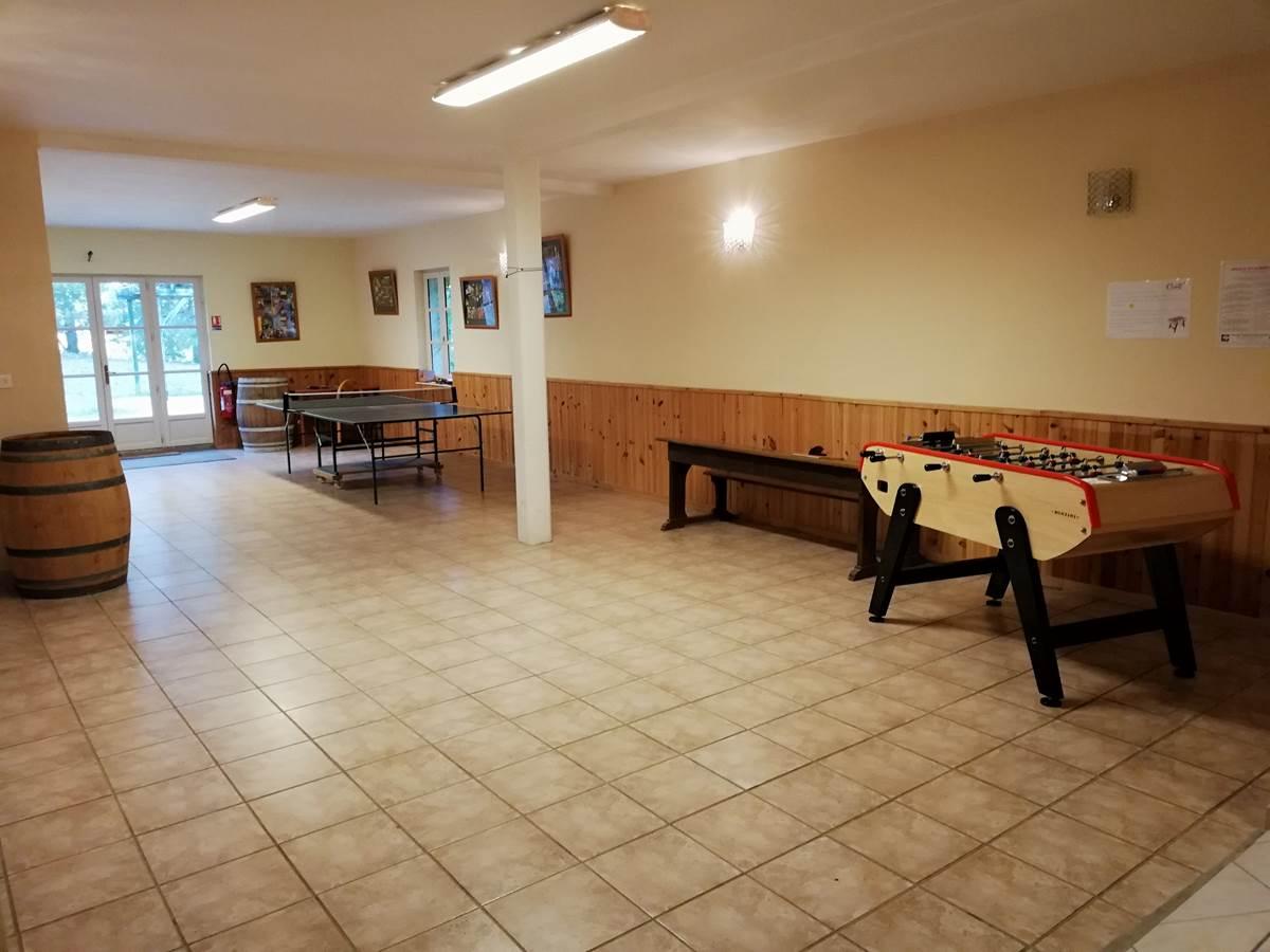 Salle de 110 m²