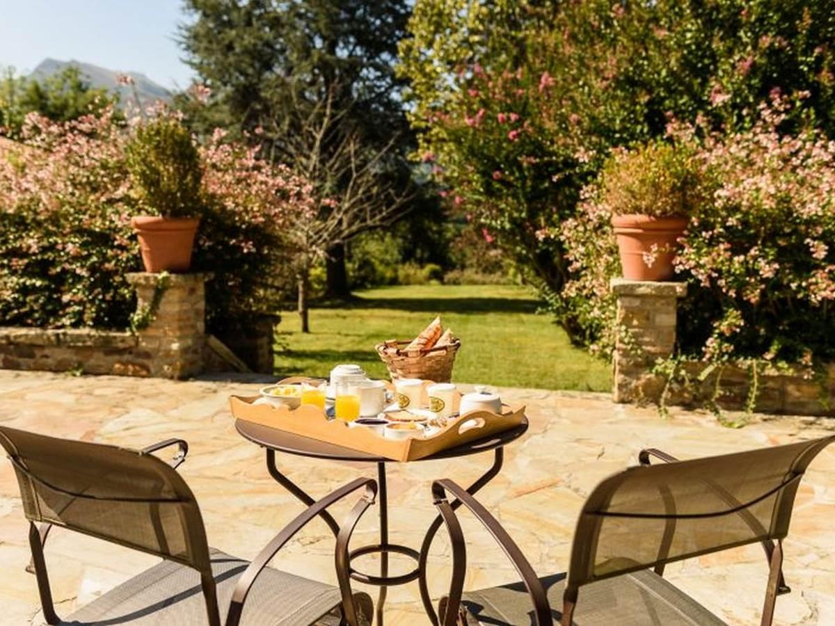 Dominxenea-petit-dejeuner-terrasse