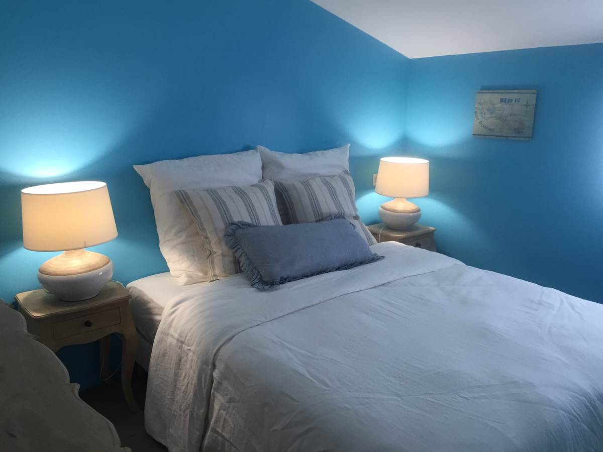 Chambre Bleu Cyan