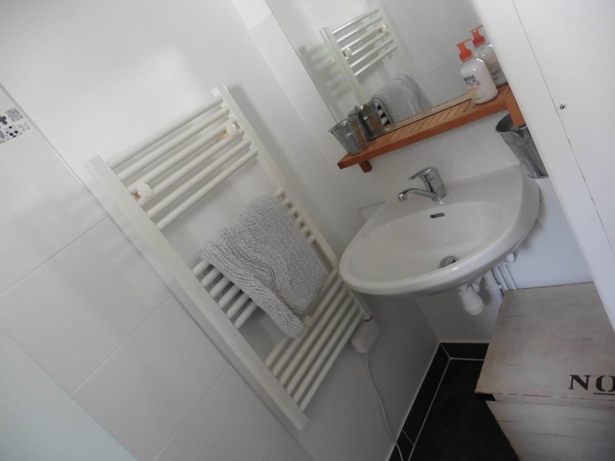 Maison d'hôtes l'éphémère à Limoges  salle d'eau
