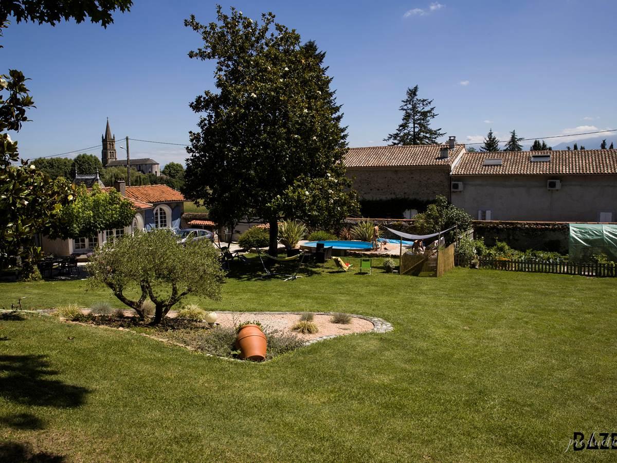 A coté de Saint Gaudens dans un petit village au pied des Pyrénées