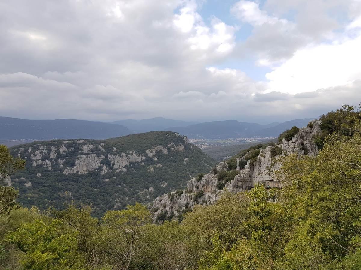 Vue depuis une randonnée autour de la Grotte des Demoiselles