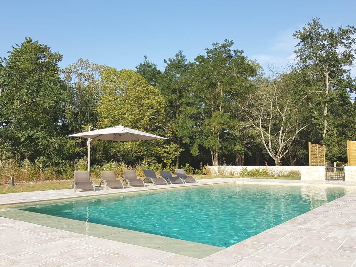 La piscine du Domaine des Cyclamens 2