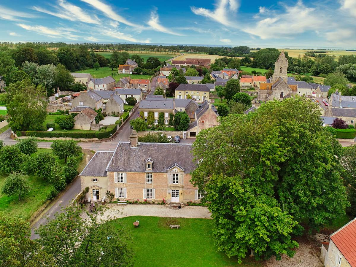 Le Manoir et son village