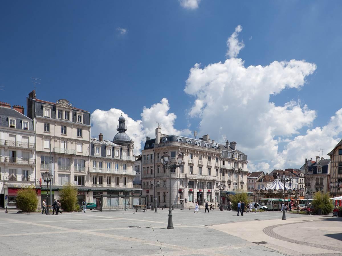 Place de l'hotel de VilleCopyright Nicolas Dohr