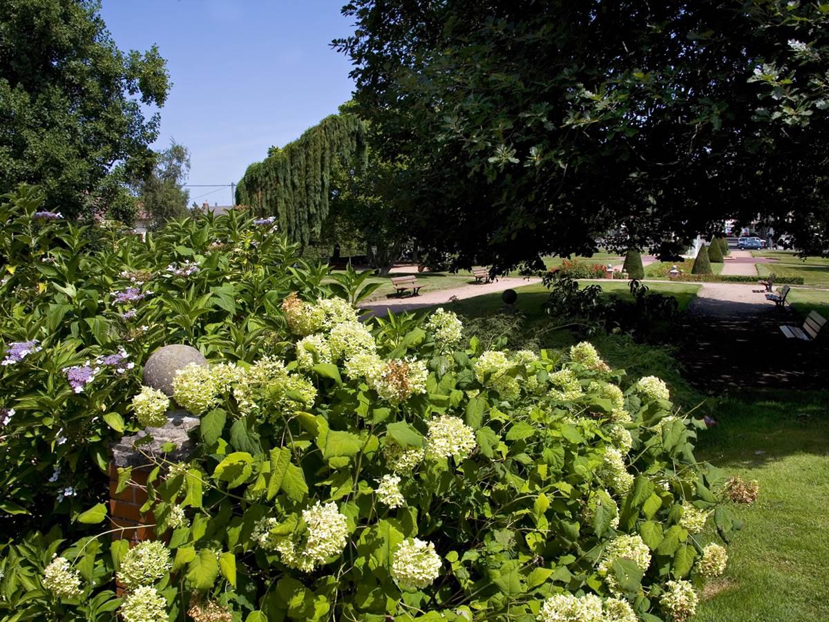 jardin Neillot 11 Montlucon