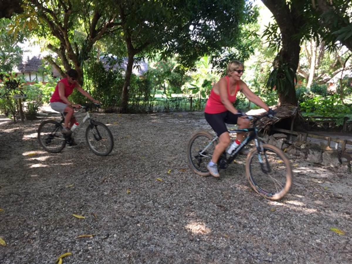 Départ vélo Boraha VIllage Ile Ste Marie Madagascar