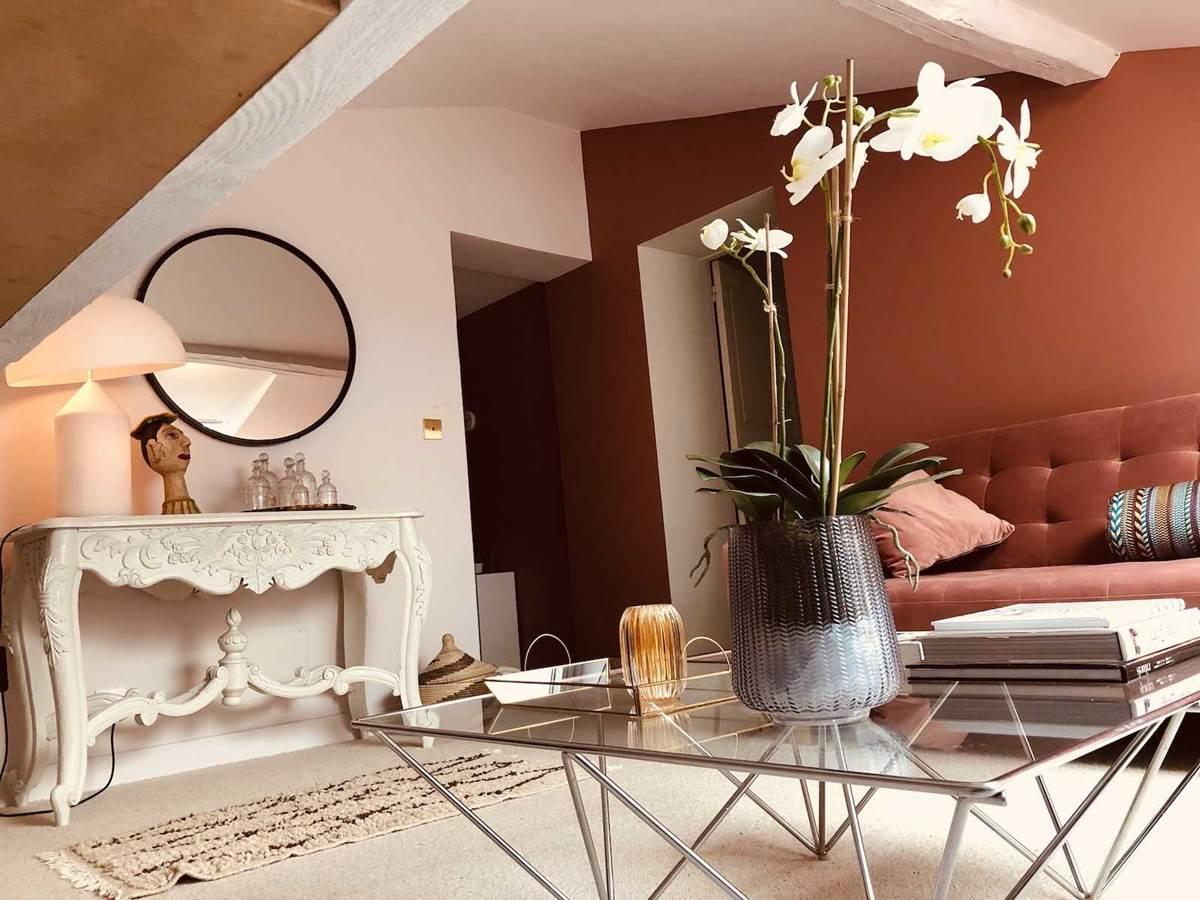 Suite Cypres et acacias Salon TV-chambre-d-hote-lesmatinsrubis-tarn-et-garonne-occitanie-location-toulouse