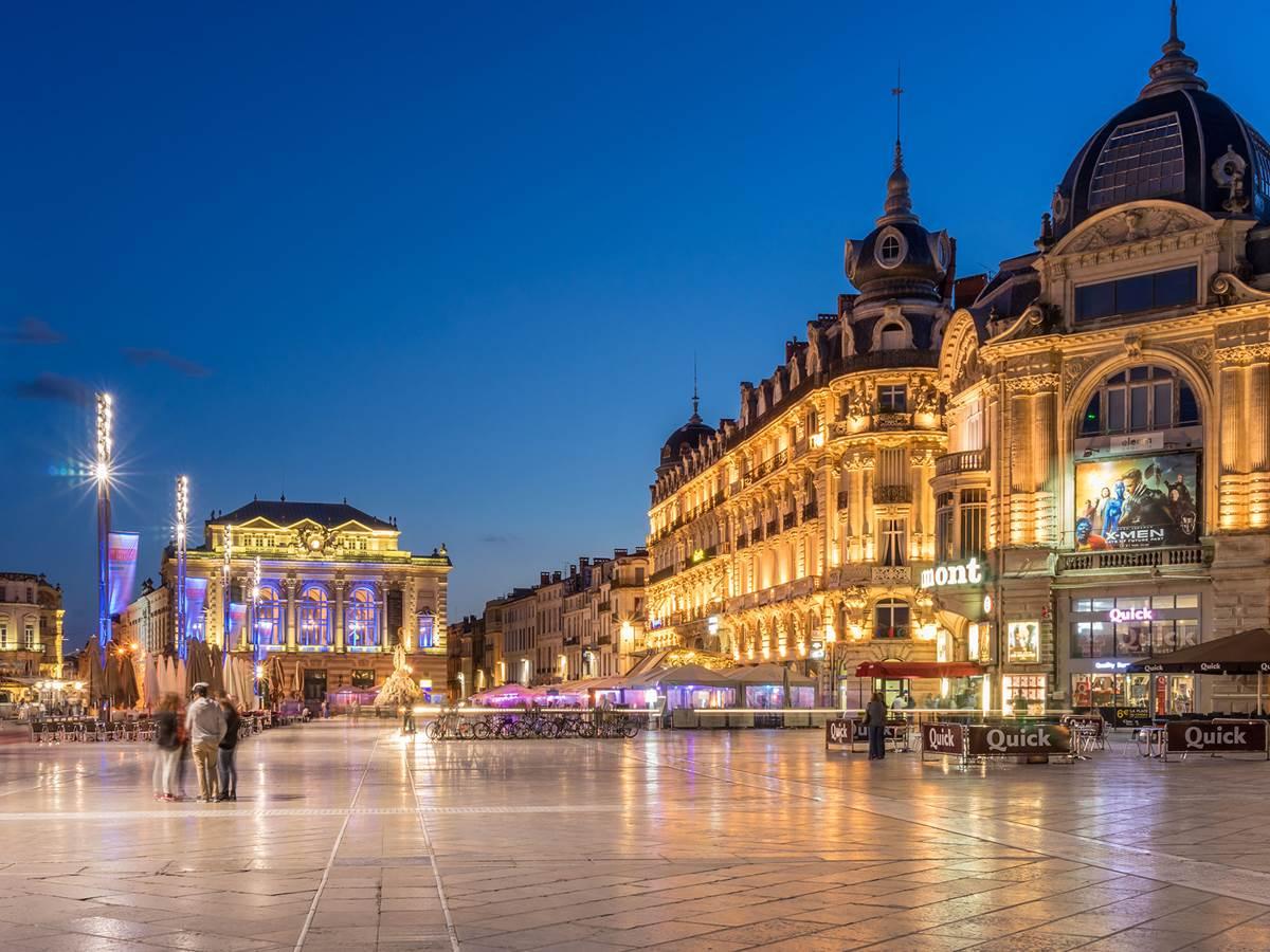 Place de la Comédie, vue de nuit