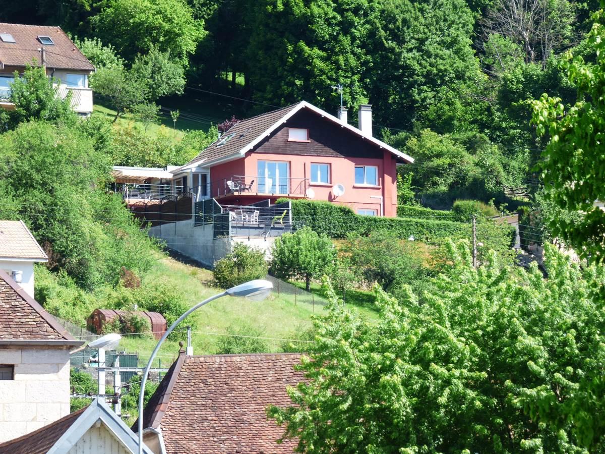 Vue maison 3 Chambres d'Hôtes La Colline aux Yeux Doubs