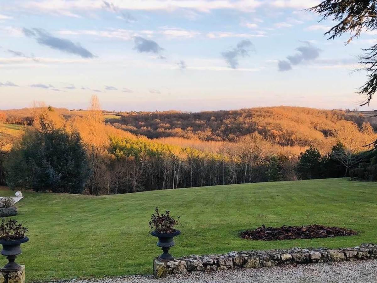 Vue de´gage´e chambre-d-hote-lesmatinsrubis-tarn-et-garonne-occitanie-location-toulouse