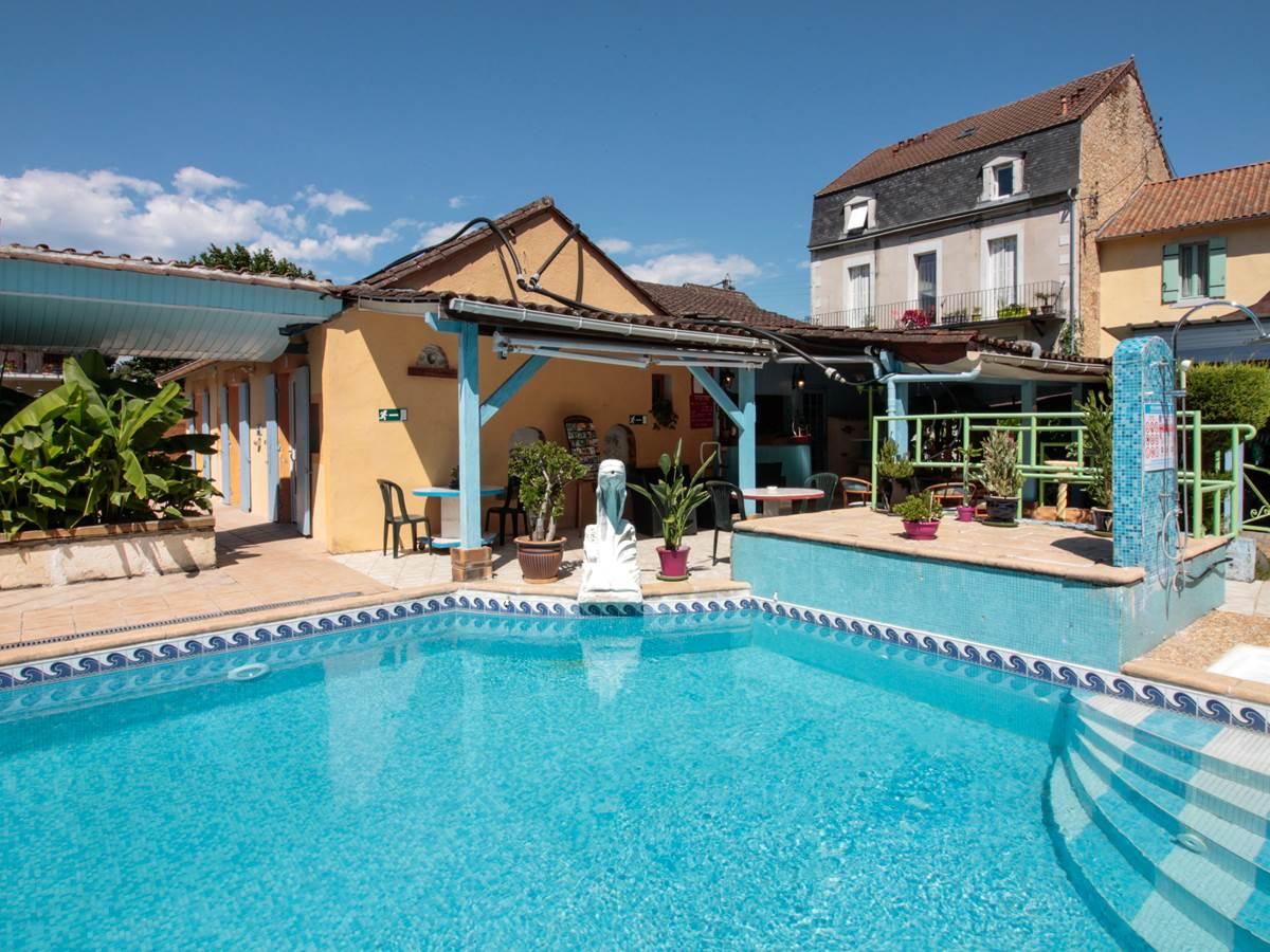 La piscine extérieure du relax