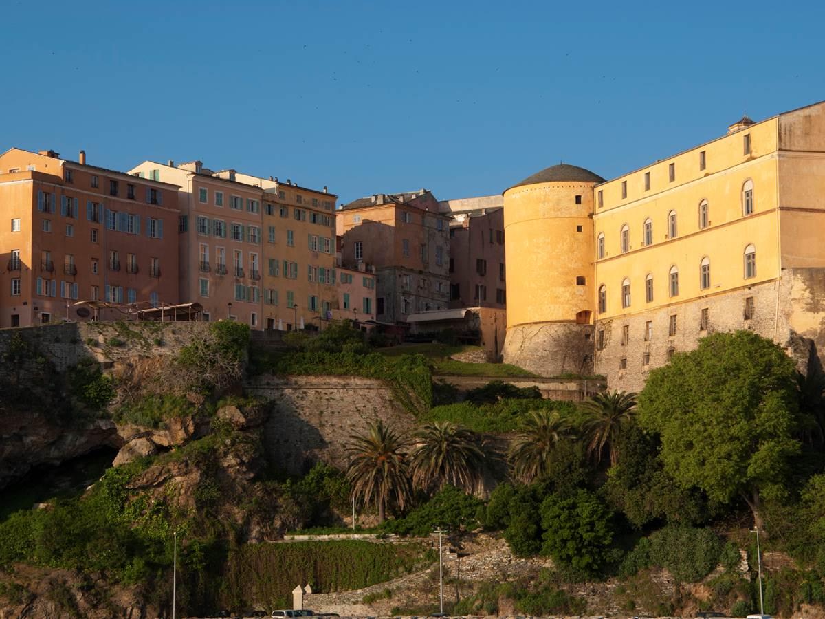 148862046 palais du gouverneur dans le quartier du terra Vecchio