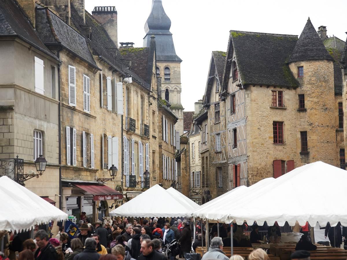 Sarlat: Jour de marché