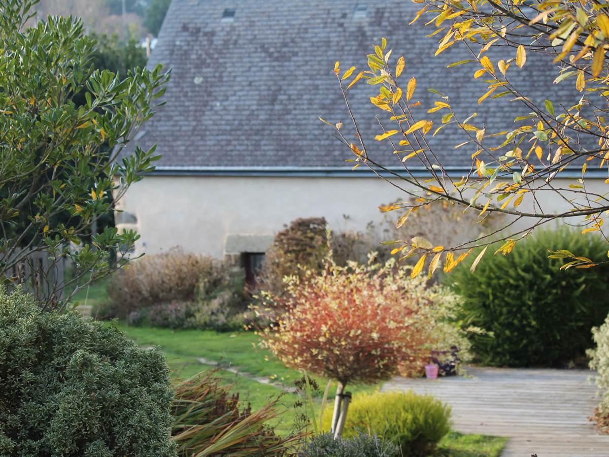 Gouelet-Ker, la jardin derrière  le gîte ou chambre d'hôtes