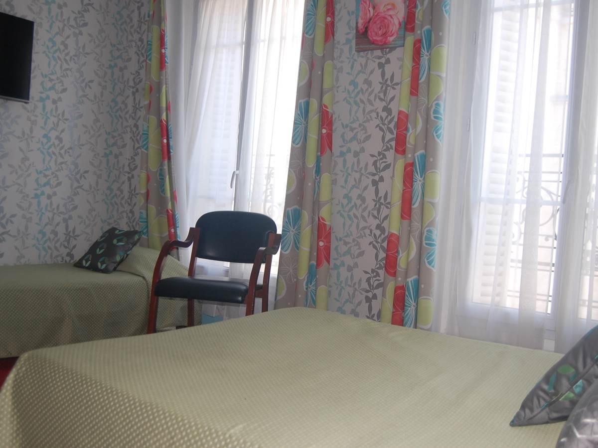 Grand lit + petit lit côté rue Jean Bart 75006 Paris
