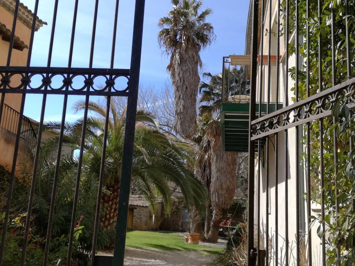 vue du portail d'entrée