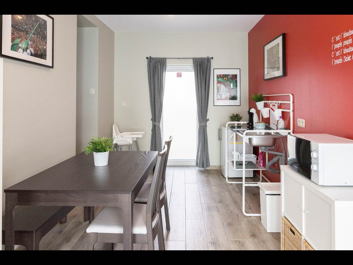 Perspective kitchenette