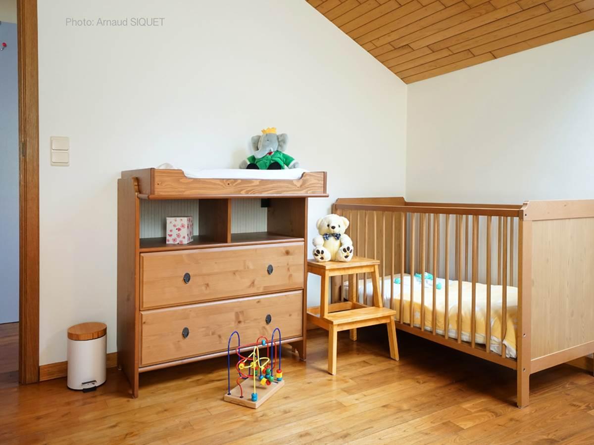 Coin bébé dans chambre parents
