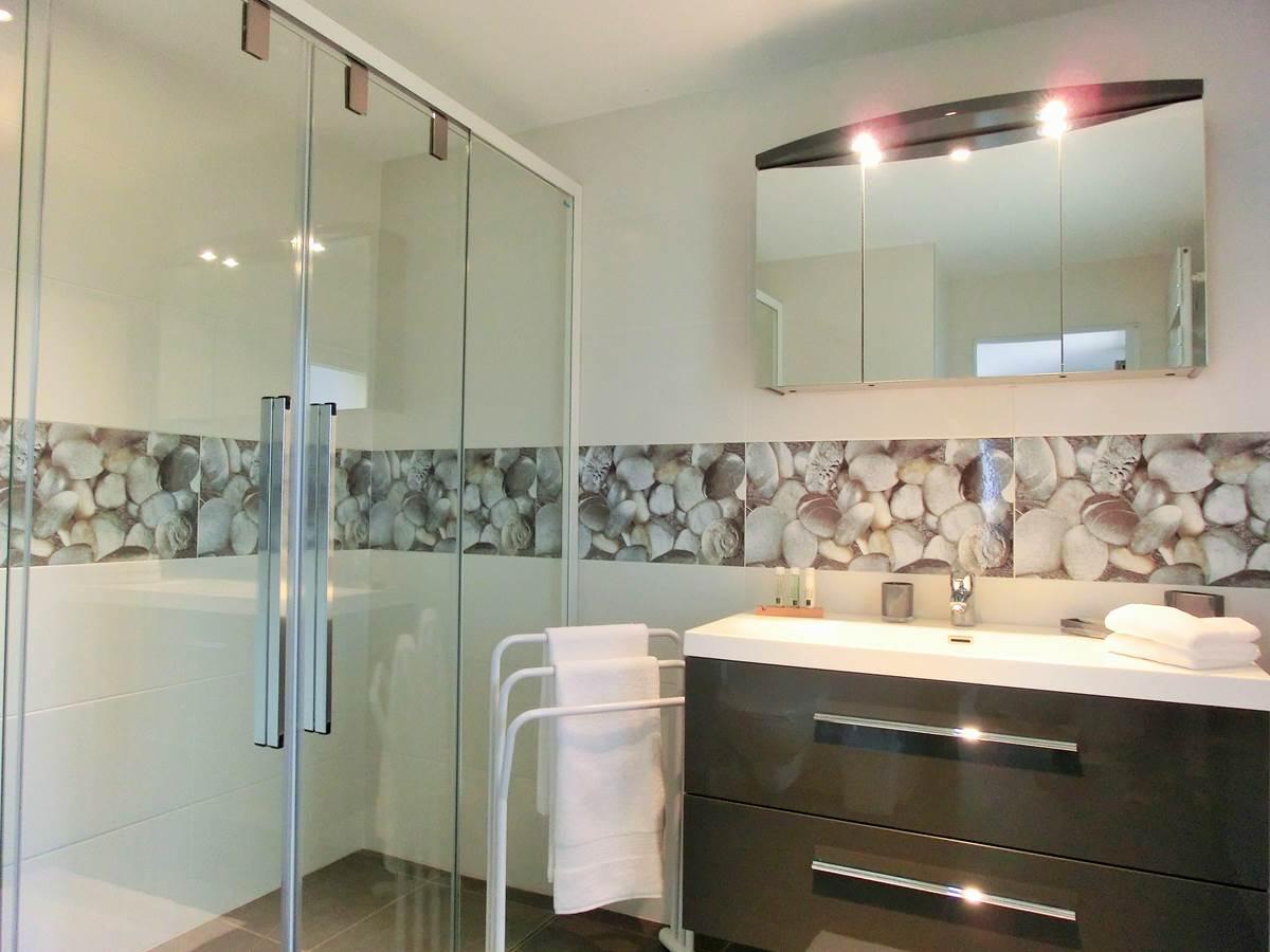 Salle de bain chambre double Azur vue mer
