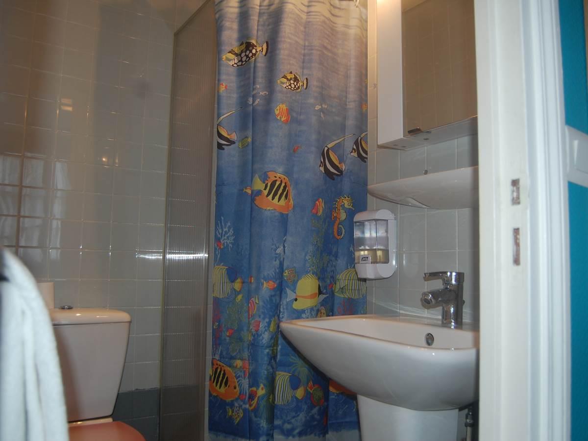 Salle de bain Hôtel Jean Bart 2 étoiles Paris