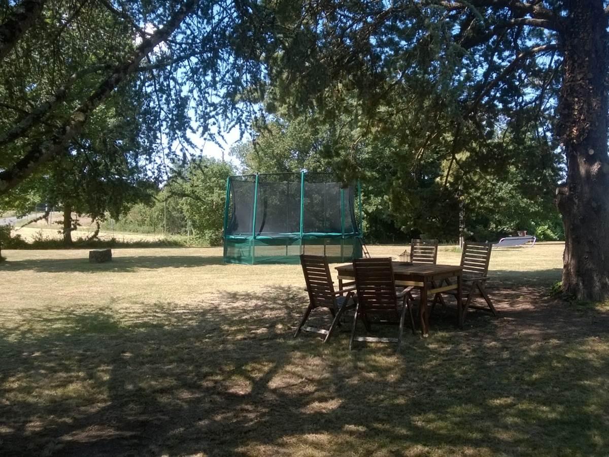 trampoline Forestière Chambres hôtes Gîte Quercy