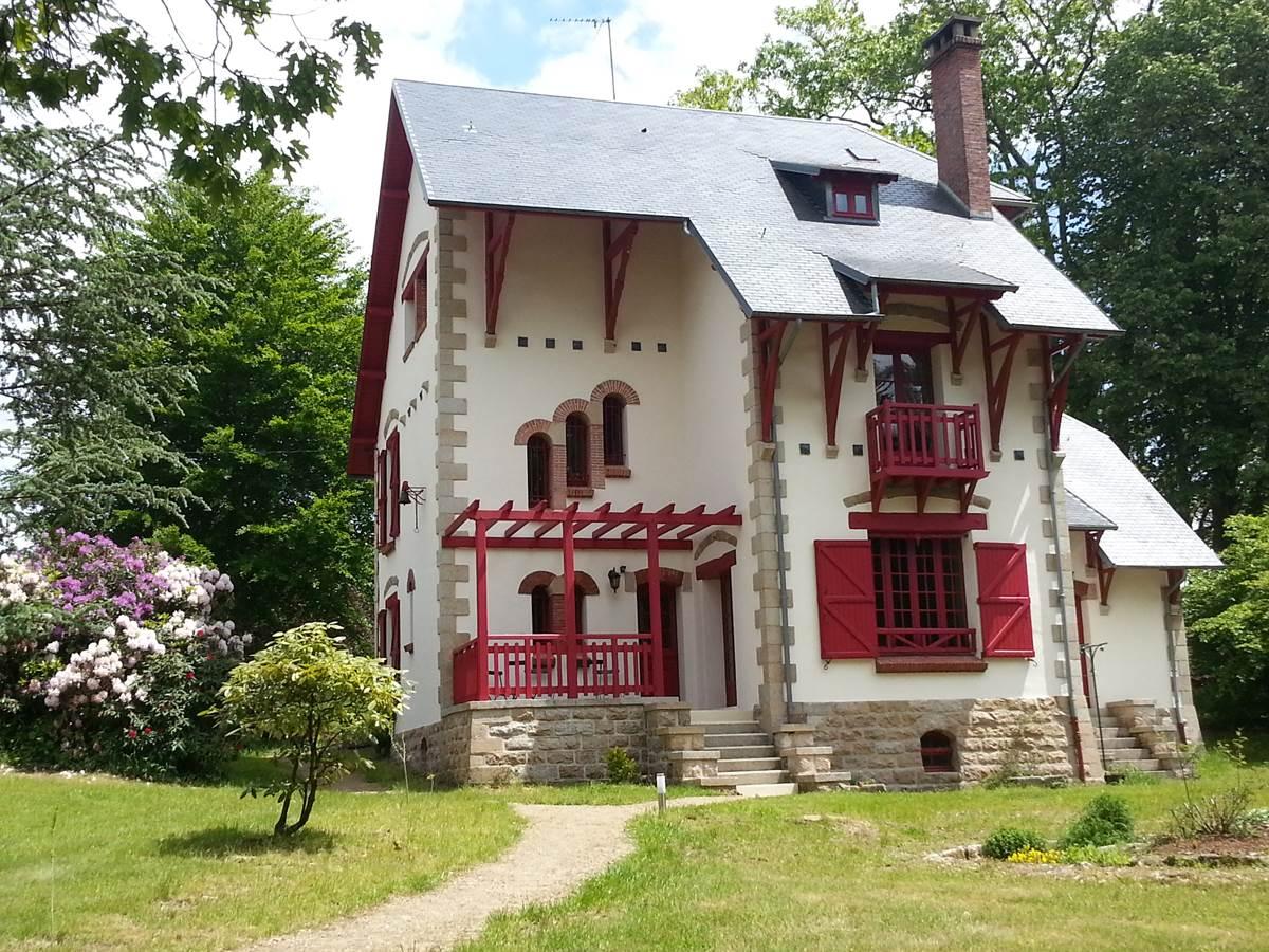 Villa Les Charmilles - gîte 12 ou 15 places Royère de Vassivière