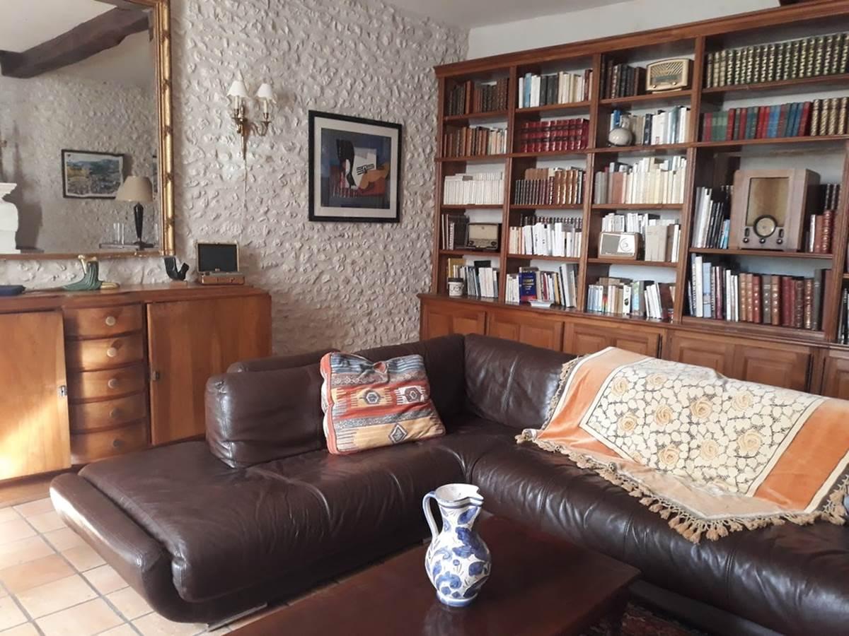 Salon Bibliothèque à votre disposition
