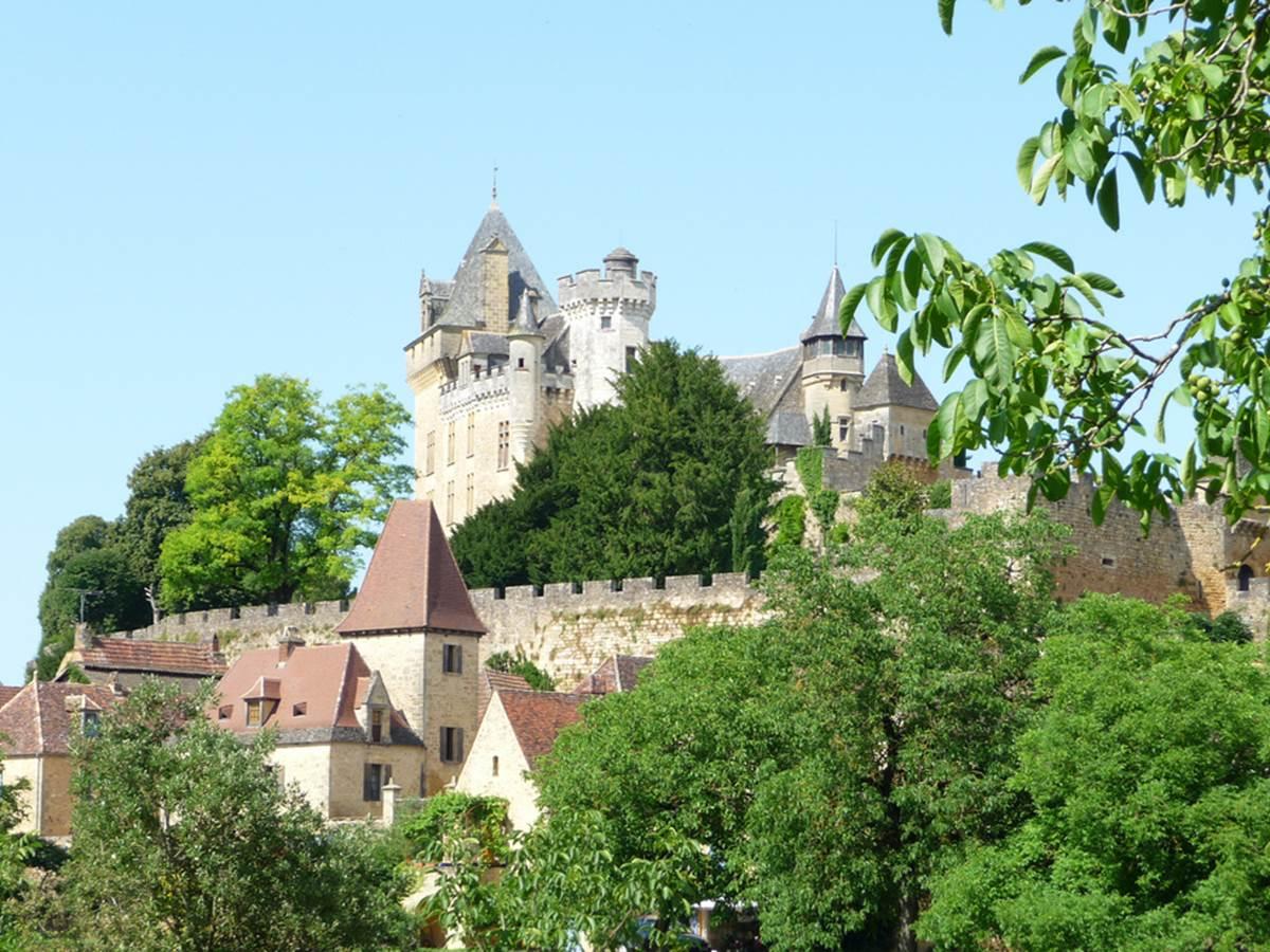 Entre Sarlat et les Eyzies, La Dordogne regorge de Châteaux et domaines fabuleux