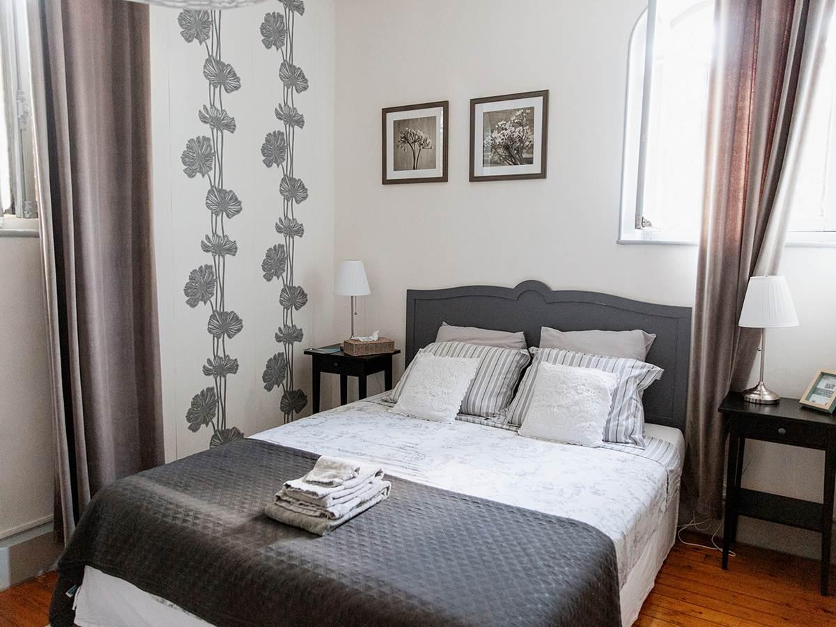 B&B La Poterne - Chambre d'hôtes Florale à Epernay