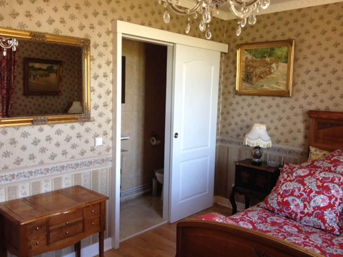 image-8La Suite Junior Mobilier ancien ,armoire normande de mariage Louis XVI