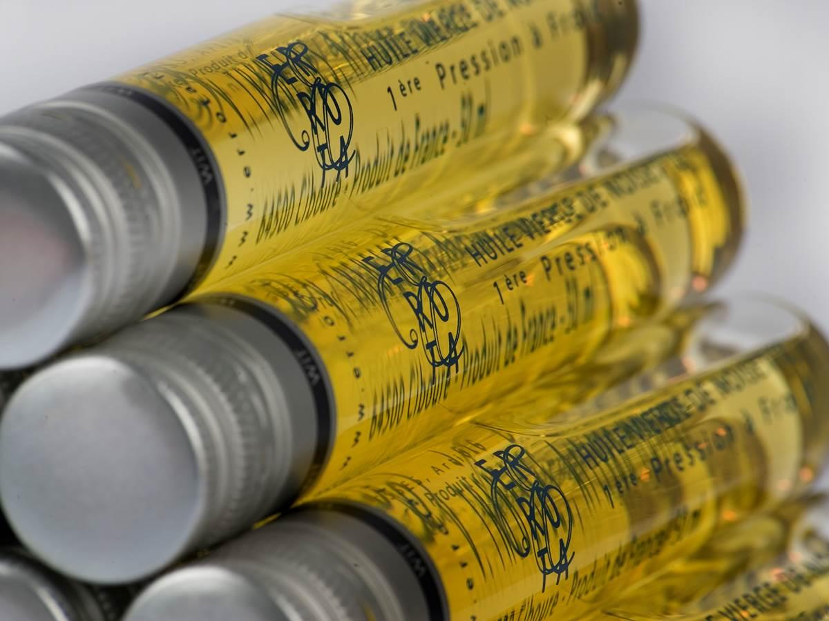 L'huile vierge de noisette de 1ère pression à froid