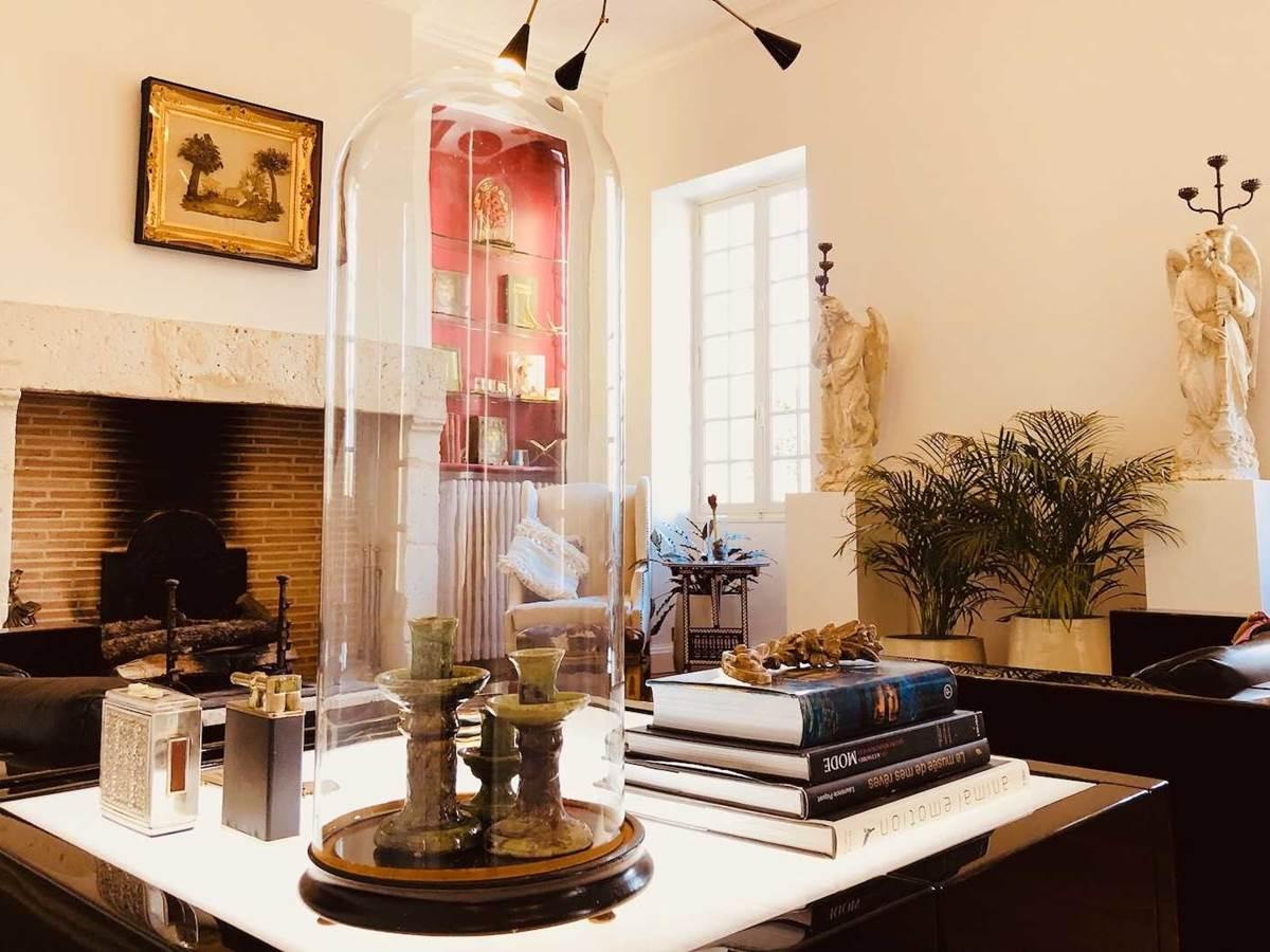 Salon blanc invites chambre-d-hote-lesmatinsrubis-tarn-et-garonne-occitanie-location-toulouse