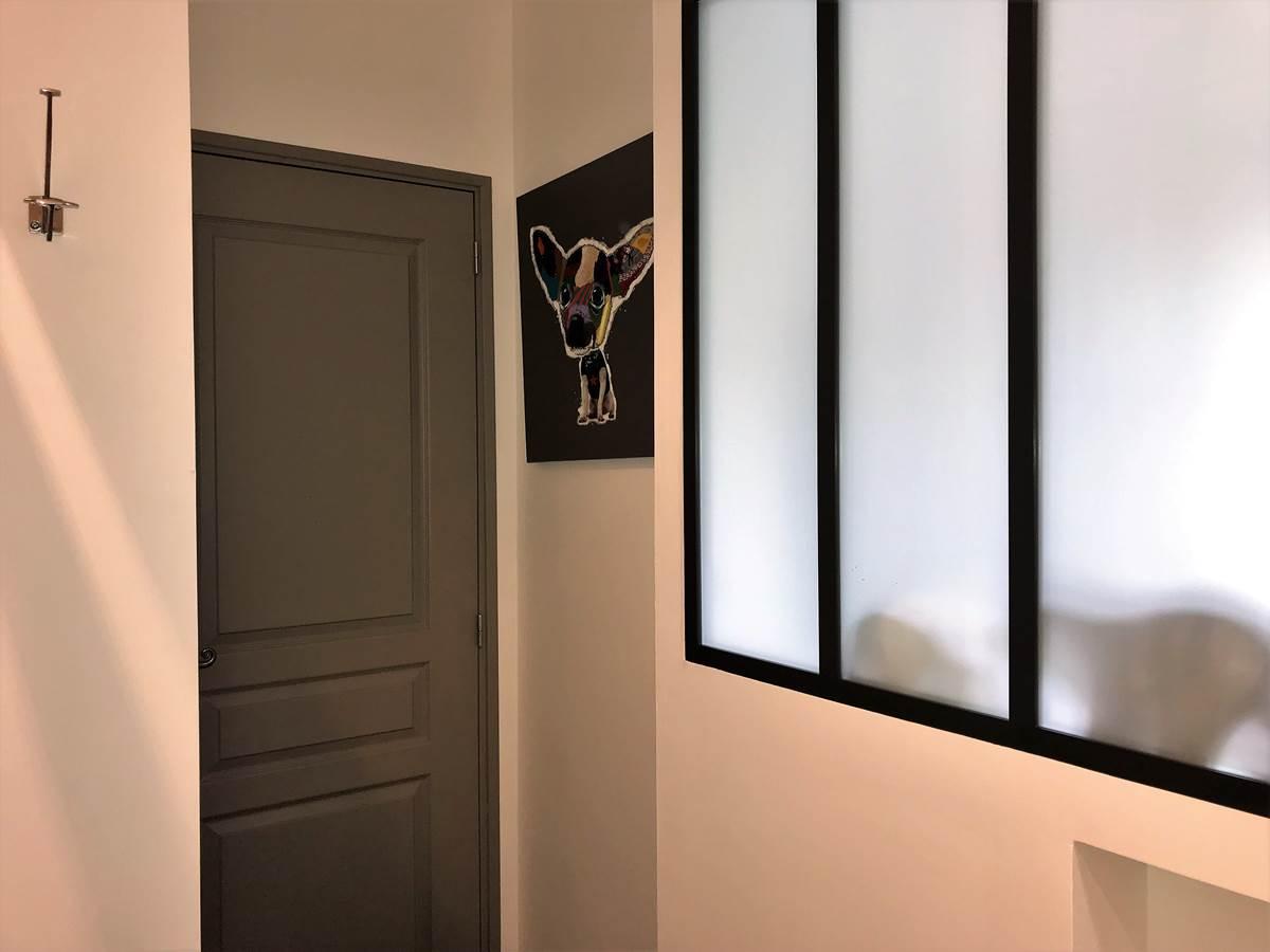 Caché derrière la porte  Chambre Mont Ventoux