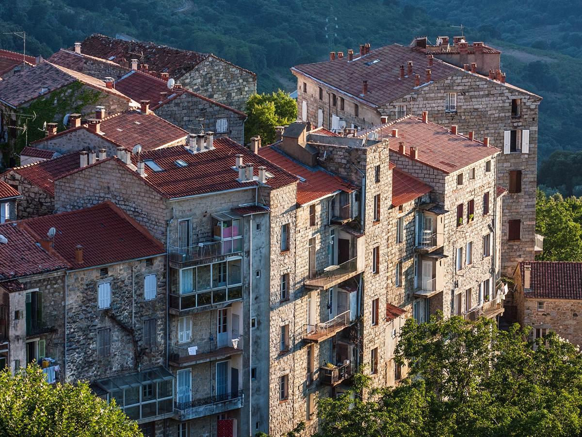 Sainte-Lucie-de-Tallano et l'Alta Rocca