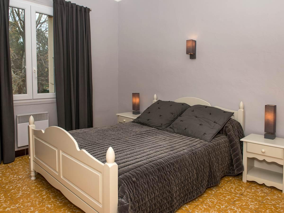 Chambre un lit en 140 cm
