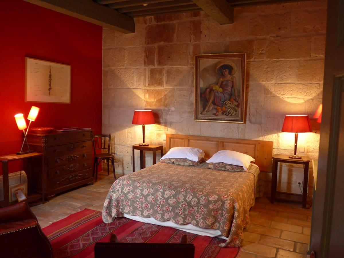 Un aperçu d'une des chambres de notre hôtel de Charme Les Templiers